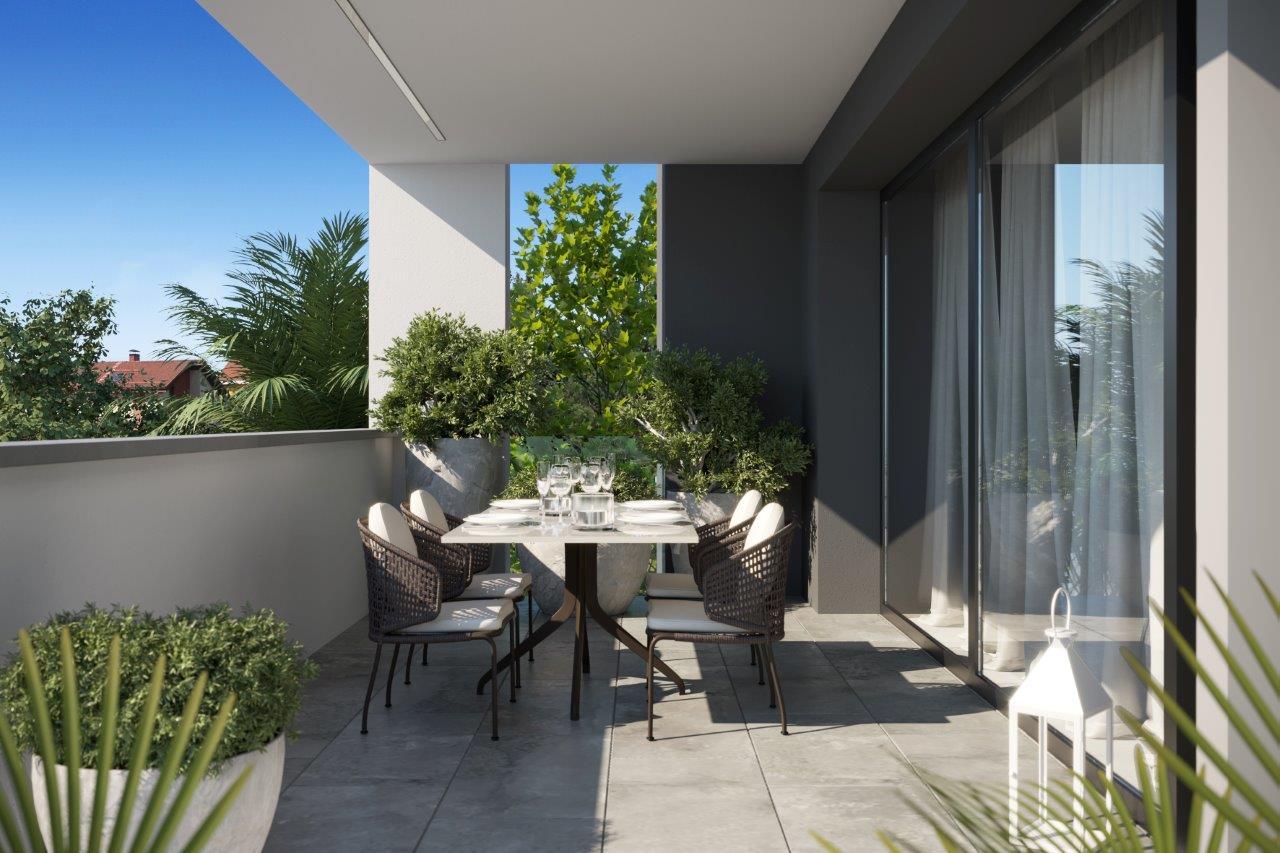 RICCIONE PORTO, app. 3 locali ampio con terrazzi nuovo