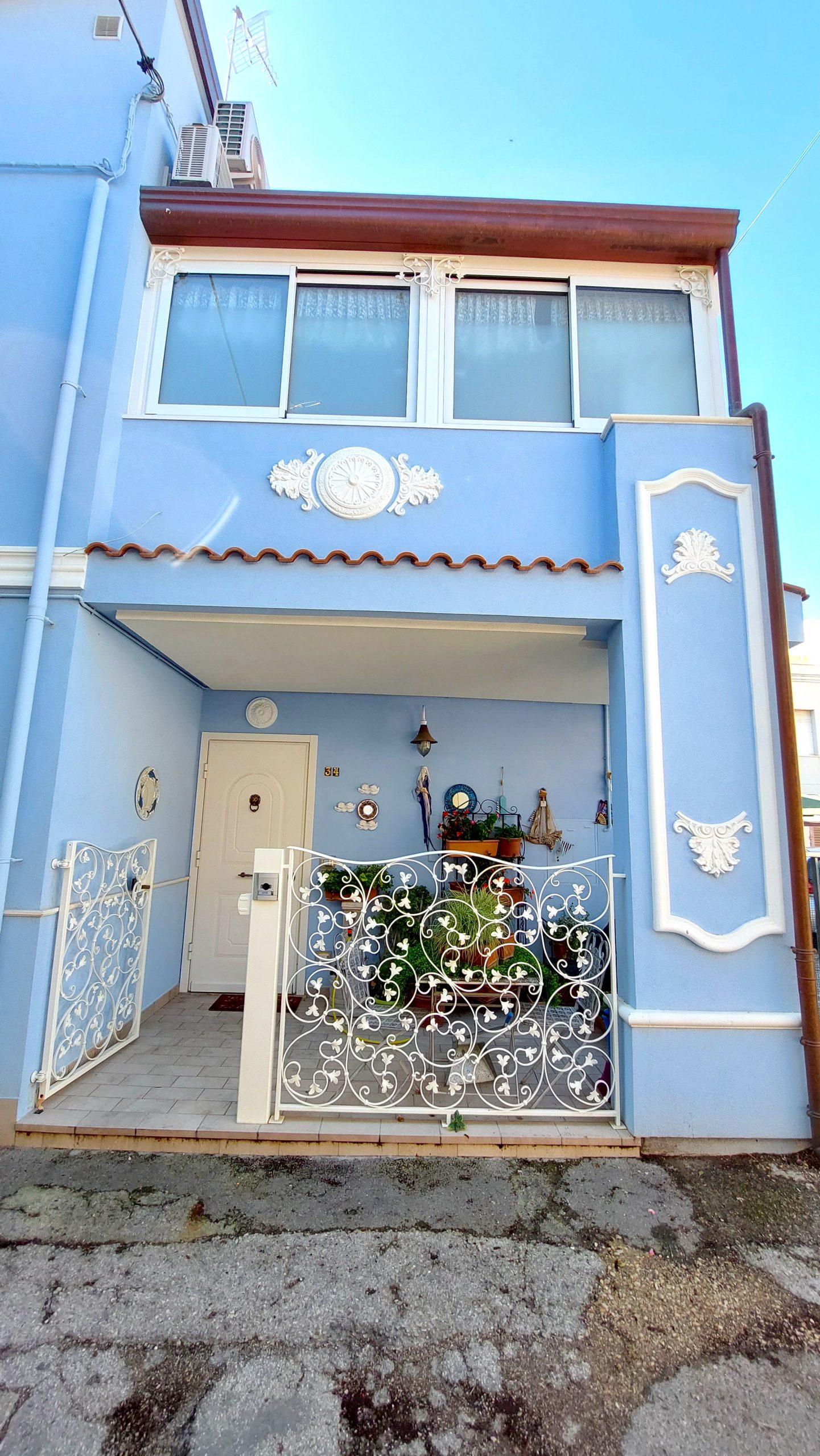 RICCIONE ABISSINIA, casa semindipendente 3 camere 2 wc in vendita